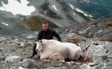 10 Inch Boone and Crokett Goat - Nanikalakeoutfitters.com
