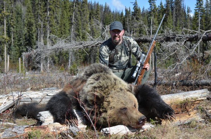 BC Grizzly Hunts - Nanikalakeoutfitters.com